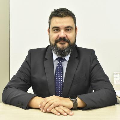 Javier Moraleja, socio director